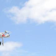 Dron. CNET.