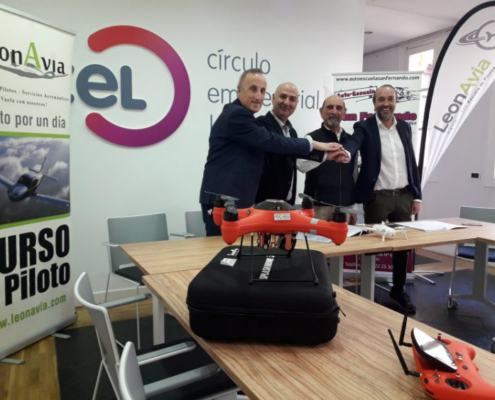 Convenio en Castilla y León para impartir cursos de drones en autoescuelas