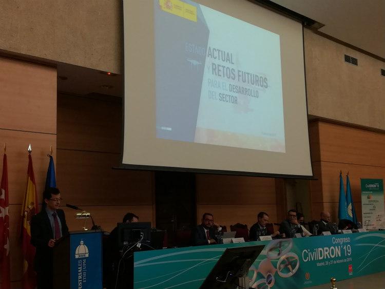 CivilDRON19: Acto inaugural y primera sesión de ponencias sobre el presente y futuro de los RPAS