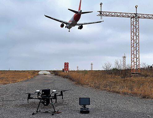 Canard drones inspecciona el aeropuerto de Almería