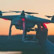 ¿Qué se necesita para ofrecer servicios profesionales con drones?